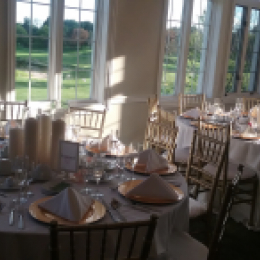 Wedding set with chiavari chairs
